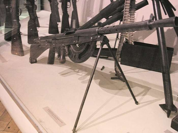 Какое оружие являются самым ненадежным в бою-7 фото + 1 видео-