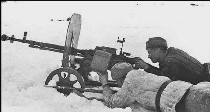 Интересно о вооружении Советских солдат времён Великой Отечественной войны-13 фото + 1 видео-