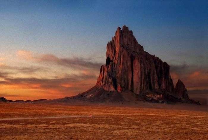 15 самых загадочных находок, обнаруженных в пустынях по всему миру-16 фото-