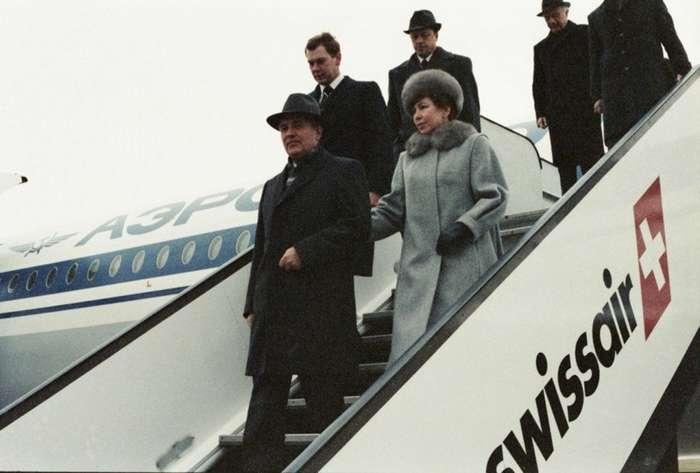 От Хрущевой до Путиной: как выглядели Первые Леди нашей страны-43 фото-