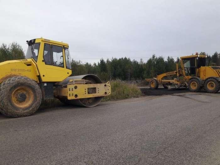 Жители поселка под Екатеринбургом сами скинулись на новую дорогу-4 фото-
