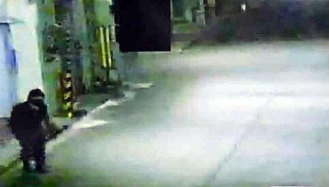 8 лет магазины и банки Японии грабил человек в костюме ниндзя-9 фото + 2 видео-