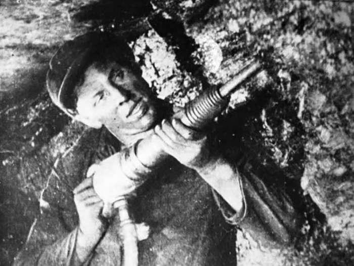 Из-за чего запил главный передовик Советского Союза-4 фото-