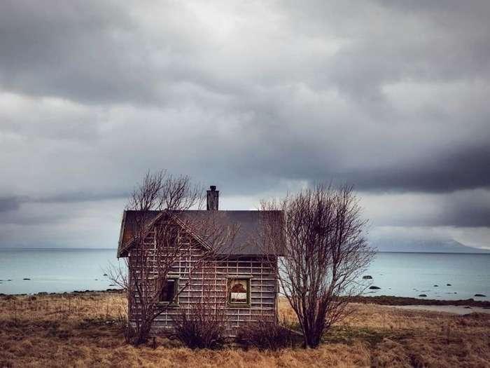Заброшенные дома за полярным кругом-13 фото-