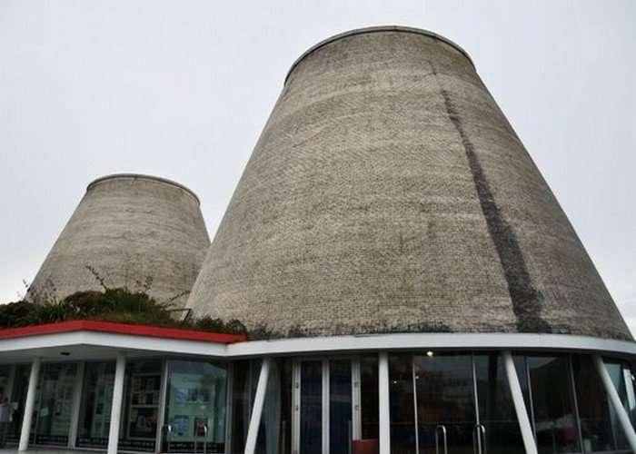Самые некрасивые здания в мире-25 фото-