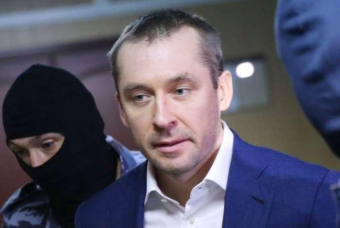 У Захарченко найдены новые миллиарды в квартирах-хранилищах-3 фото-