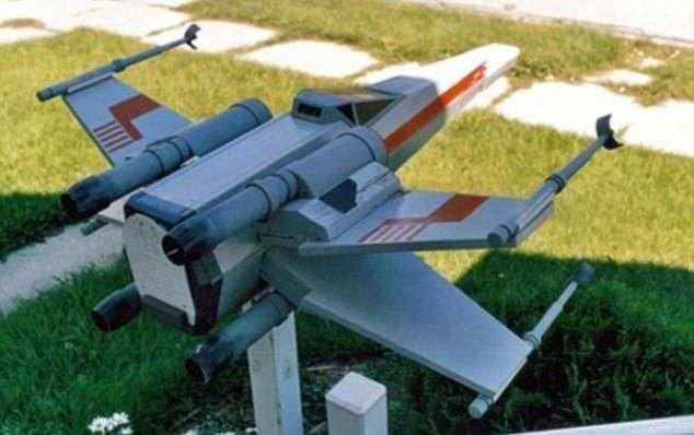 Губка Боб и гигантский пистолет: самые смешные и дурацкие почтовые ящики-13 фото-