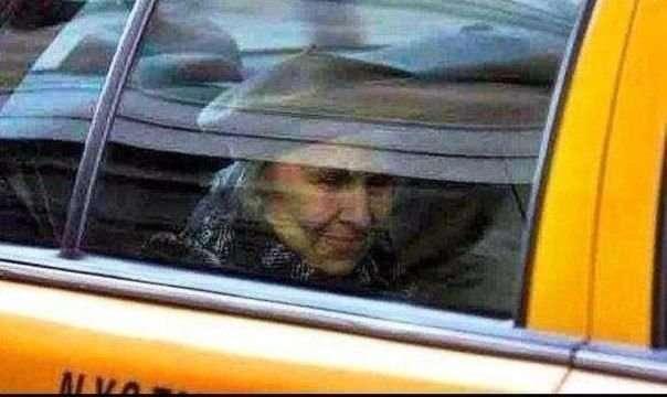 Эту историю рассказал пользователям Сети один из таксистов-6 фото-