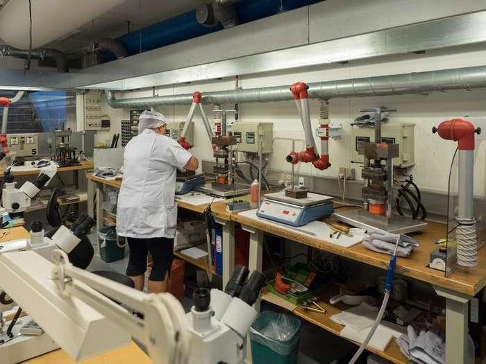 Репортаж с фабрики Ortofon-46 фото-