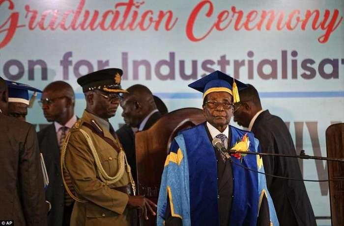 Конец режима Роберта Мугабе: президента Зимбабве смещают с поста-14 фото + 1 видео-