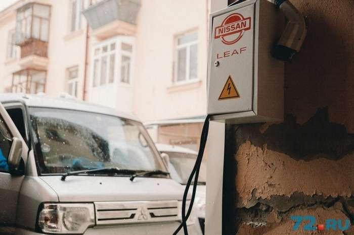 -Заправка до полного бака — всего 8 рублей-: история тюменца, который ездит на электромобиле-10 фото + 1 видео-