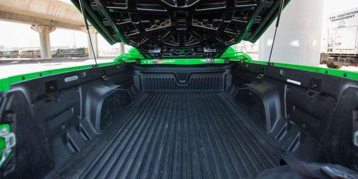 HSV Maloo R8 - удивительный автомобиль из Австралии-20 фото + 1 видео-