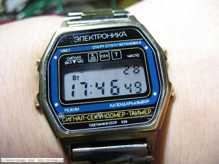 Как делали легендарные часы -Электроника--9 фото-