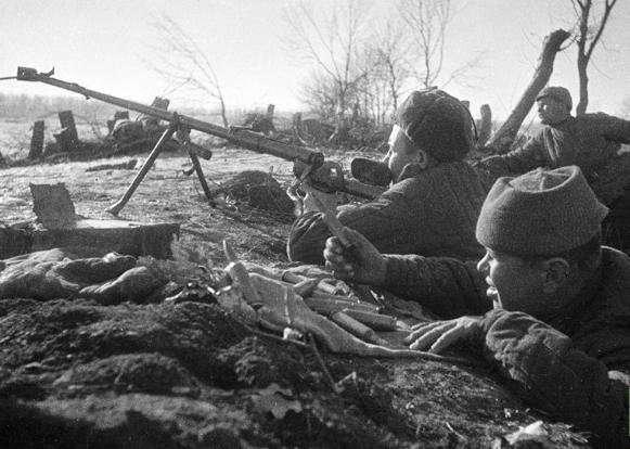 33 забытых героя. Невероятный подвиг -сталинградских панфиловцев--4 фото-