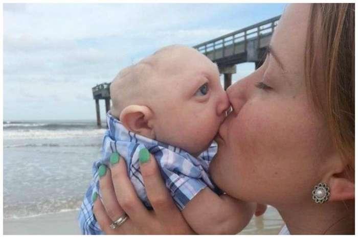 Врачи не давали этому малышу ни единого шанса на жизнь, но он жив-15 фото-