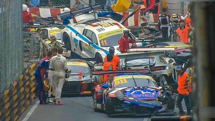 Массовая авария на гонке FIA GT в Макао-1 фото + 3 видео-
