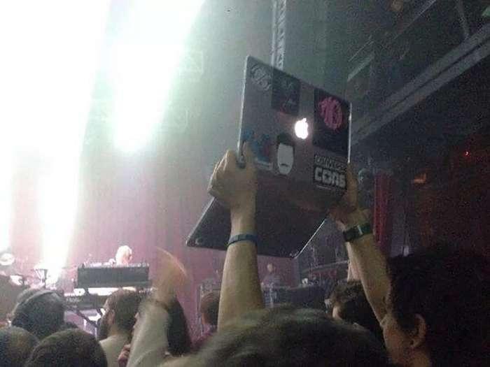 На концерты стоит ходить хотя бы для того, что бы убедится в своей адекватности-22 фото + 6 видео-