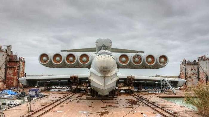 Экраноплан возвращается: Россия построит новую модель самого странного самолета в мире-6 фото + 1 видео-