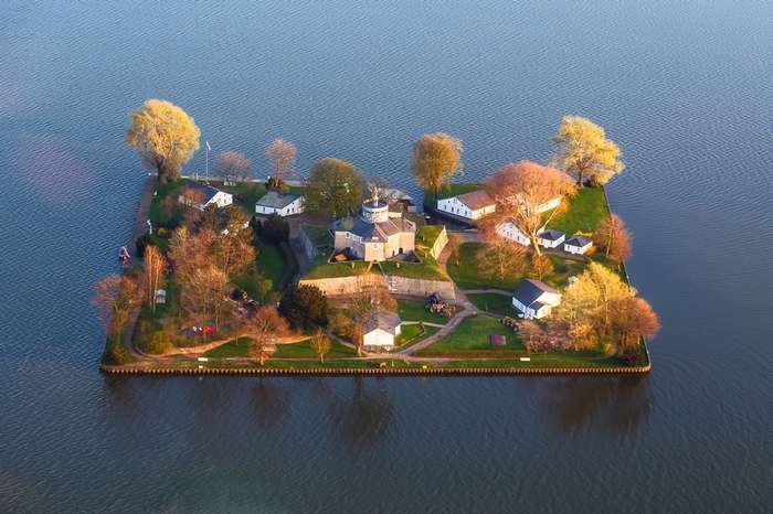 Самые маленькие обитаемые острова мира