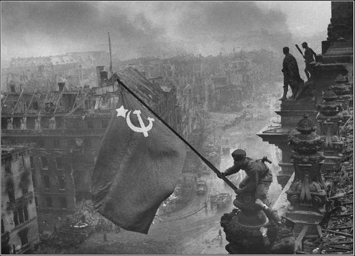 Почему Сталин не захотел принимать парад в 1945 году