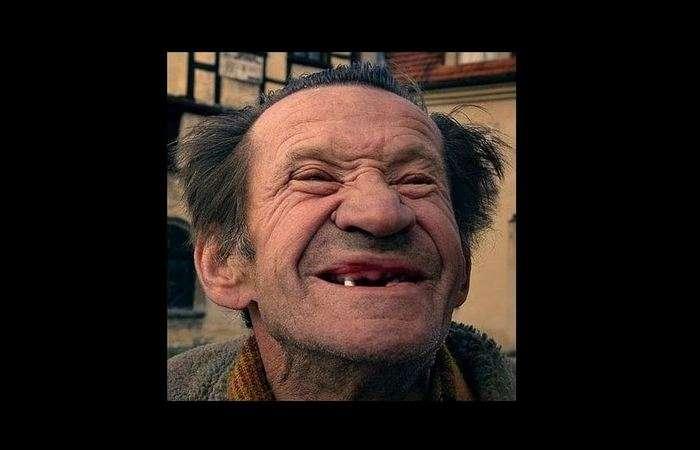 -Скажите с-ы-ы-ы-р-, или Когда люди начали улыбаться на фото
