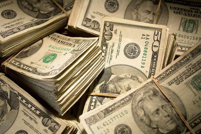 Без громких выстрелов и лишней суеты. -Профи на пенсии- рассказывает, как правильно грабить американские банки