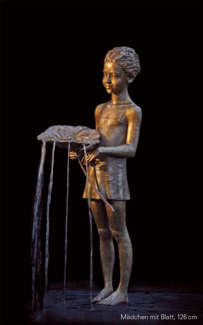 Скульптор из Польши создает шедевры из бронзы и воды
