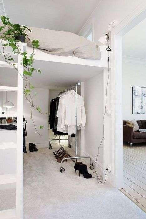 Все плюсы высоких потолков: 20 стильных примеров функционального оформления квартиры