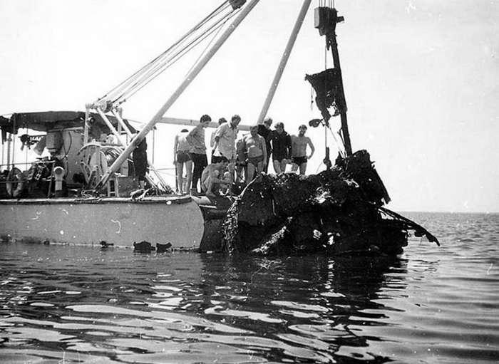 Чтобы помнили : &171;Ударный&187; &8212; речной монитор, погибший в море