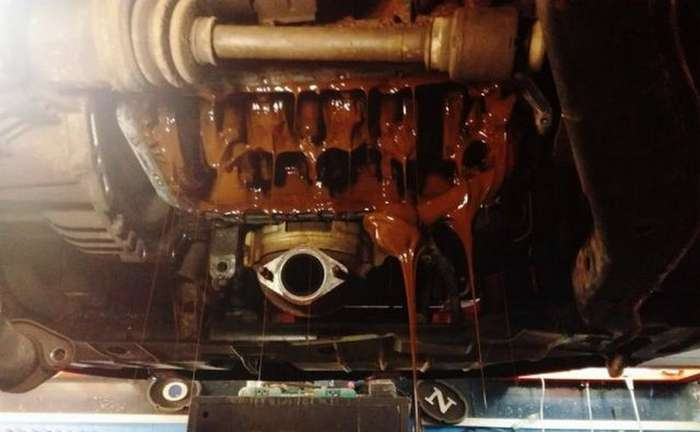 А если залить залить антифриз в двигатель. Что будет ?