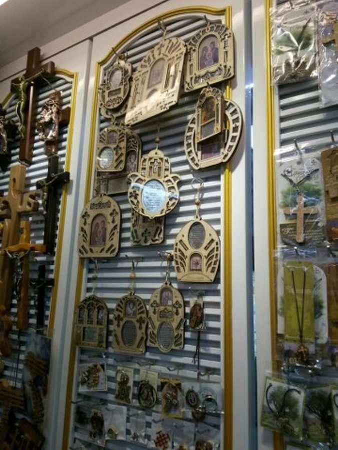 Сделано в Китае: откуда берутся &171;сувениры&187; в храмах