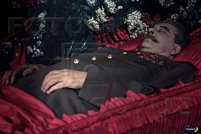 Как убирали Сталина из мавзолея