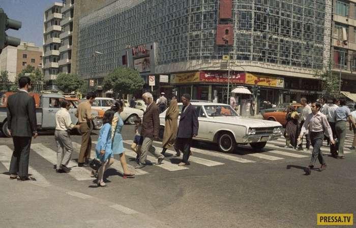 Иран до исламской революции (13 фото)