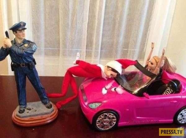 Взрослые игры отцов с детскими игрушками (31 фото)