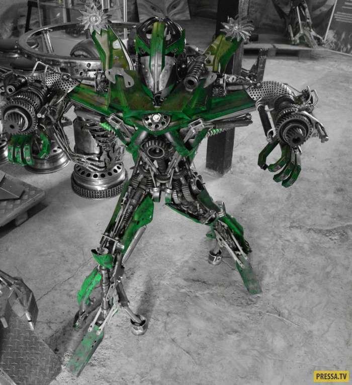 Художник из Польши создает удивительных роботов из металлолома (20 фото)