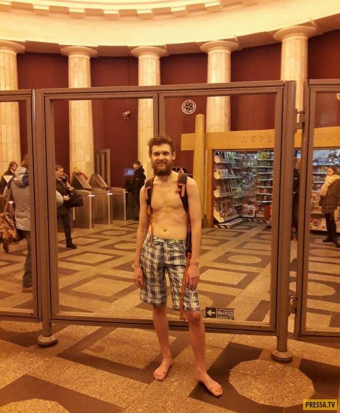 Не перестают удивлять! Странные и прикольные модники из российского метро (35 фото)