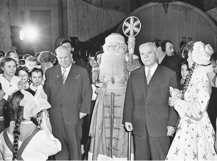 Как праздновали Новый Год руководители СССР (10 фото)