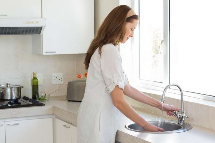10 правил этикета, которые важно соблюдать в гостях. Из-за N3 можно навсегда испортить отношения с хозяином!