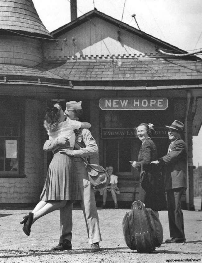 19теплых фото, глядя накоторые, кажется, что раньше люди любили совсем иначе
