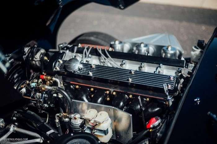 Jaguar E-Type: самый красивый катафалк в мире-12 фото + 1 видео-