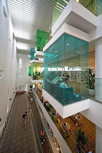 11современных библиотек снестандартным дизайном, которые захочется посетить нераз