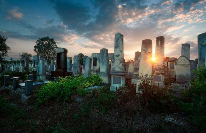 Самые красивые кладбища мира-16 фото-