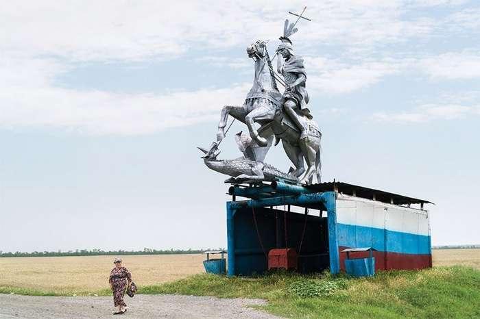 Советские автобусные остановки глазами канадского фотографа-25 фото-