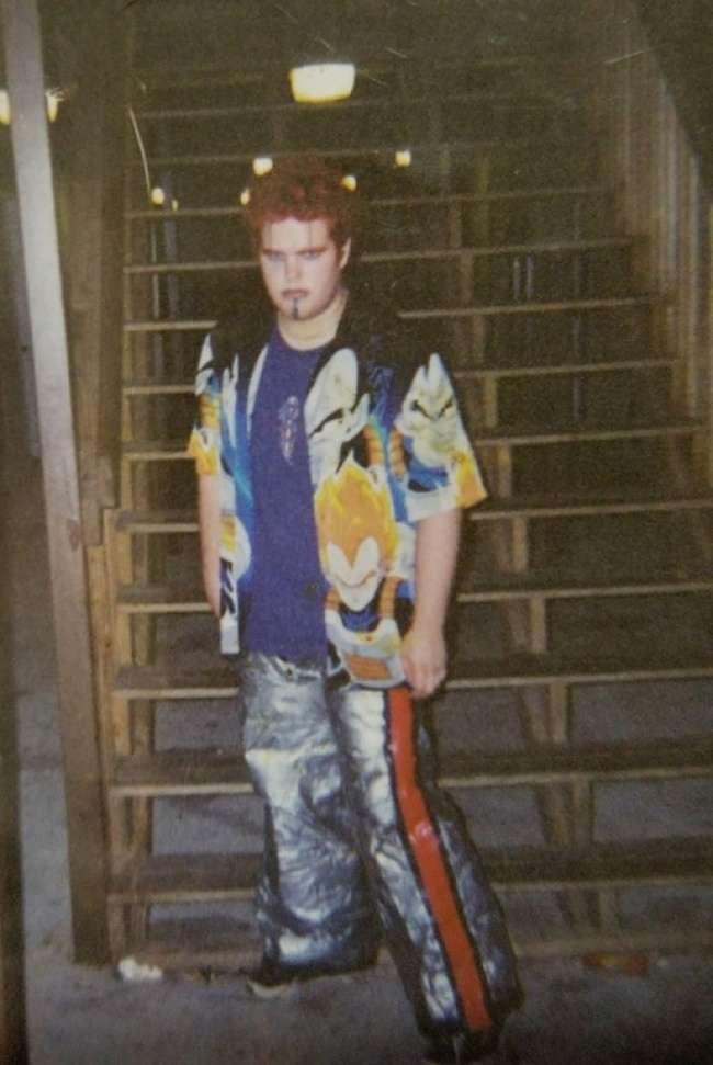 26подростков из2000-х, которые очень хотели выглядеть круто, иуних это почти получилось