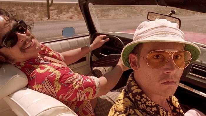 Футболка-сетка и розовый леопард: безумная мода из фильмов 90-х-11 фото-