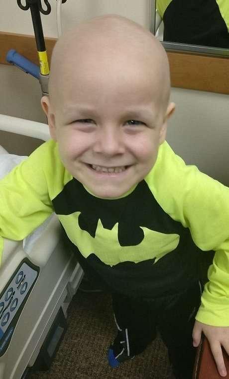 Фотограф помог тяжело больным детям почувствовать себя супергероями-14 фото-