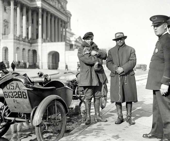 Мотоциклисты на снимках американских фотографов первой половины ХХ-го века-24 фото-