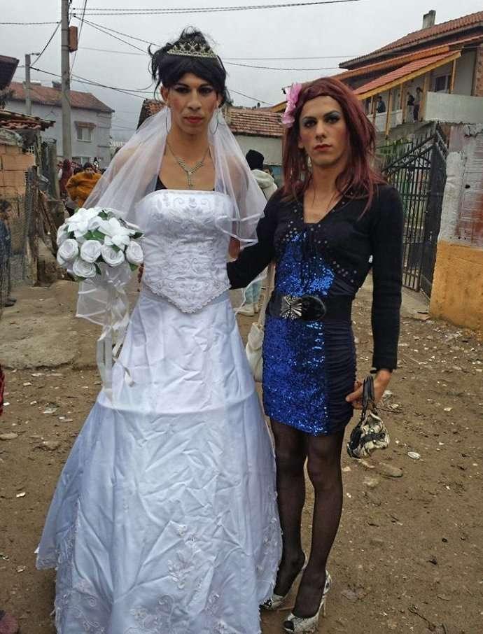 Цыгане XXI века: однополые браки, роскошь и нищета-23 фото + 3 видео-