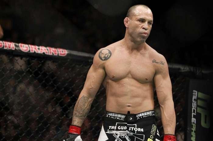Самые идиотские татуировки бойцов смешанных единоборств-16 фото-