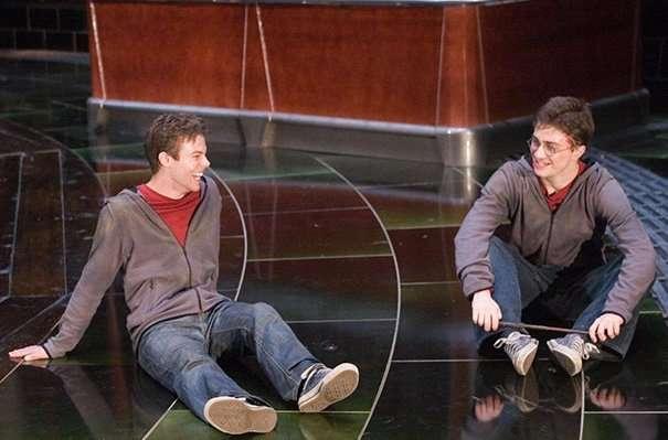 Киноактеры и их дублеры на съемочных площадках-34 фото-